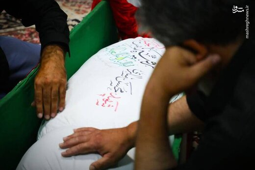 وداع با پیکر شهید ساری پس از ۳۵ سال