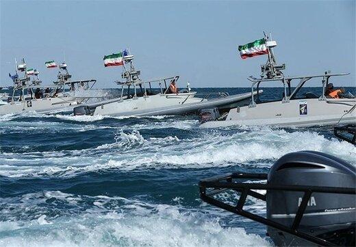 قدرتنمایی ایران در خلیجفارس؛ رژه ۲۰۰ شناور ارتش و سپاه با حضور رئیس مجلس