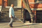 فیلم   عصای هوشمندی که زندگی اجتماعی نابینایان را متحول میکند