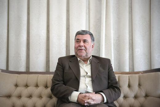 محمد صدر: احمدینژاد و ترامپ نشان دادند کاندیداهای ریاست جمهوری باید تست روانپزشکی بدهند