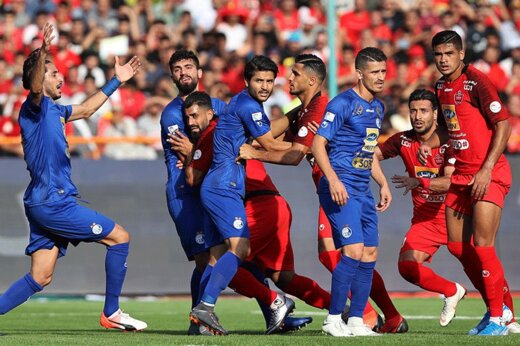 فیلم | درگیری بازیکنان استقلال و پرسپولیس در دقایق پایانی مسابقه