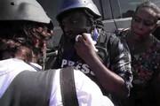 فیلم | لحظه تیراندازی یک سناتور به خبرنگاران و عکاسان!