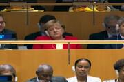 فیلم |  چرت زدن آنگلا مرکل در سازمان ملل