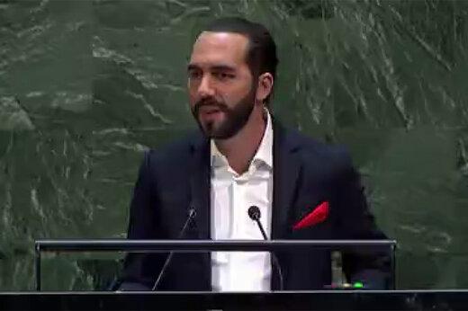 فیلم | لحظه سلفیگرفتن یک رئیسجمهور هنگام سخنرانی در سازمان ملل!