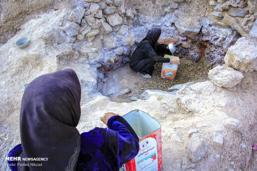 استخراج نمک در روستای سرآقاسید استان چهارمحال و بختیاری