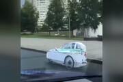 فیلم | برای این خودرو در مسکو به راحتی جای پارک پیدا میشود!