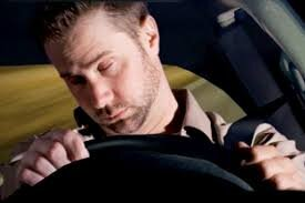 چه کنیم که به هنگام رانندگی در سفر خواب مان نبرد؟