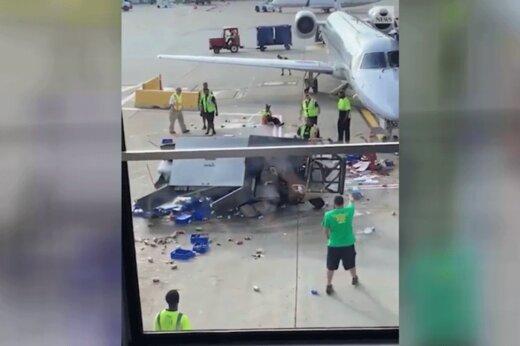 فیلم | دیوانه بازی ماشین حمل بار وسط باند فرودگاه شیکاگو