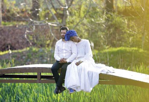 پسر ایرانی که با دختر یک ملکه قبیله آفریقایی ازدواج کرده/ عکس