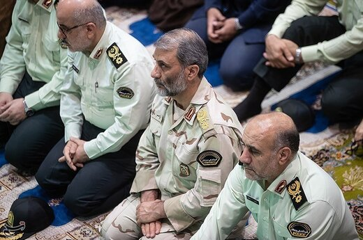 سردار قاسم رضایی فرمانده مرزبانی ناجا در نماز جمعه تهران