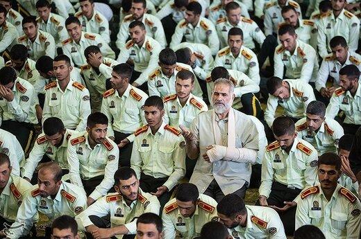 حضور پرسنل نیرو انتظامی به مناسبت هفته نیرو انتظامی در نماز جمعه تهران