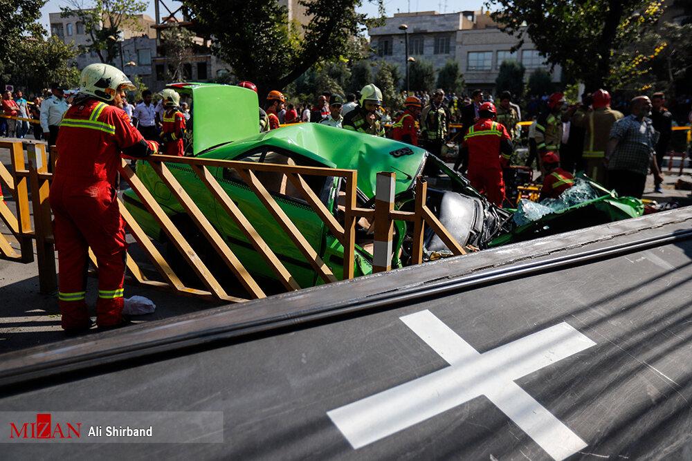 سقوط جرثقیل در اتوبان بسیج