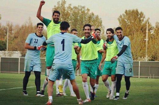 همسر سفیر دانمارک با ۱۵ همراه برنده ماراتن سفارتخانهها برای دیدن بازی ایران و کامبوج!