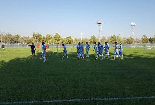 جشن تولد مدافع پرسپولیس در تمرین تیم ملی