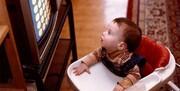 کودک زیر ۱۸ ماه دارید؟ تلویزیون را خاموش کنید!