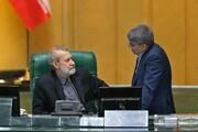 لاریجانی به نمایندگان: می خواهم ماسکم را بردارم، جلو نیایید والا از من کرونا میگیرید /آخرین جلسه با دو رئیس اداره شد/حواشی صحن مجلس