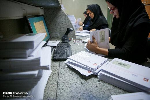 توزیع روزانه ۱۰۰ هزار گذرنامه توسط پست