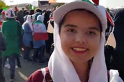فیلم | گریههای یک مادر به خاطر حضورش در استادیوم آزادی