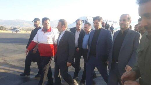 گفتگوی صمیمی واعظی با زائران اربعین در مرز مهران /ناآرامیهای عراق تاثیری بر مراسم اربعین امسال خواهد گذاشت؟