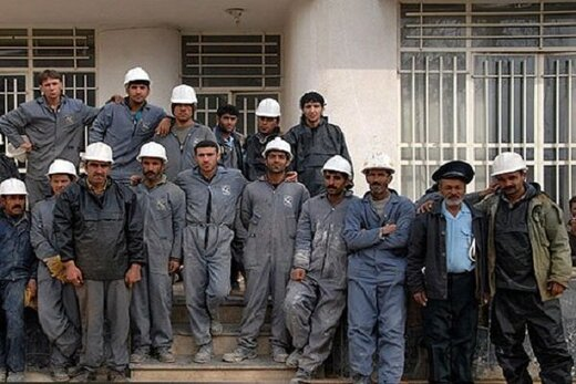 وزارت کار برای ثبتنام کارگران فاقد بیمه فراخوان بدهد