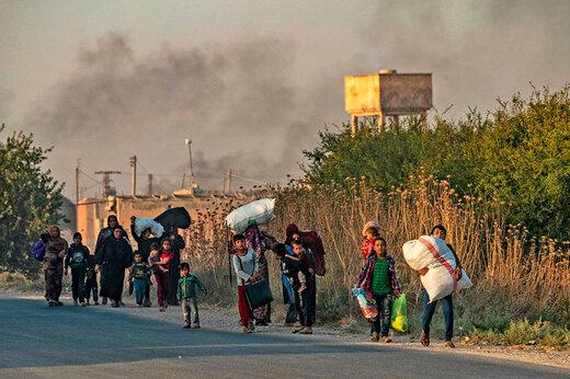 فیلم | فرار خانوادههای وحشت زده در شمال سوریه در پی حملات ترکیه