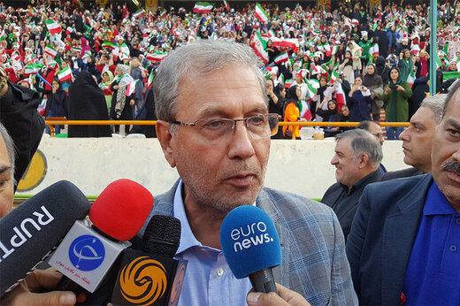 فیلم | سخنگوی دولت به استادیوم آزادی رفت