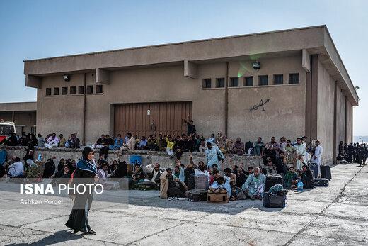 ورود زائران پاکستانی اربعین حسینی از مرز میرجاوه