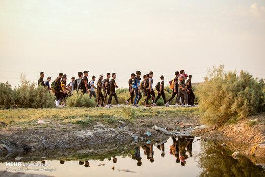 پیادهروی زائران اربعین درمناطق جنوبی عراق(الخضر در استان المثنی)