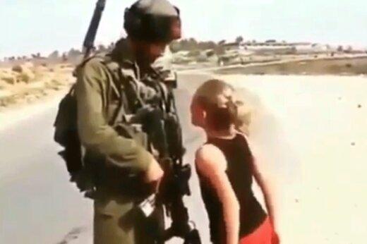 فیلم | دختر سوری با مشت گرهکرده در مقابل سرباز ارتش ترکیه
