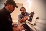 فیلم | خواندن روزبه بمانی با پیانوی سیامک انصاری