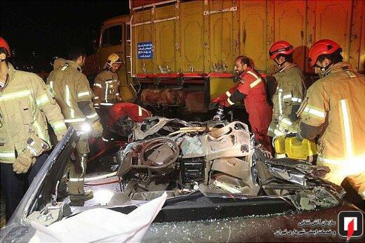 تصادف پژو 405 با کامیون باری در جاده ورامین