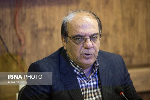 کنایه عباس عبدی به سخنگوی شورای نگهبان: چه انتقادی را پذیرفتهاید که انتقاد رئیس جمهور درباره اختیاراتش را بپذیرید؟