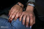 زن سارقی که کیف پول و موبایل زائران را سرق میکرد در مرز مهران دستگیر شد