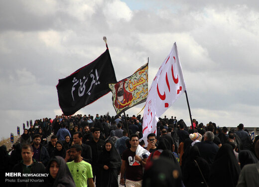 ارائه خدمات فرهنگی شهرداری تهران در راهپیمایی «جاماندگان اربعین»