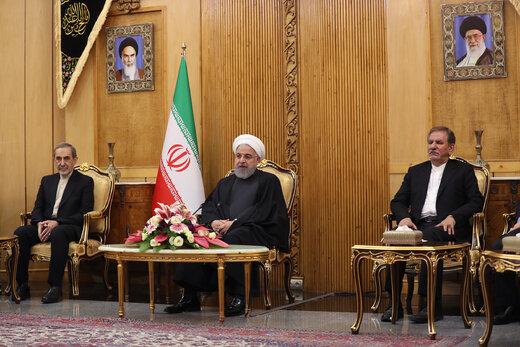 روحانی: در برابر توطئهها، تحریمها و حصر آمریکا به زانو در نمیآییم