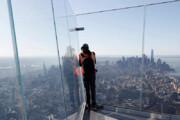 فیلم | تماشای نیویورک از کف شیشهای بالکن طبقه صد و یکم!