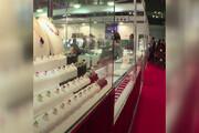 فیلم | سرقت الماس یک میلیون و هشتصد هزار دلاری از نمایشگاه جواهرات توکیو