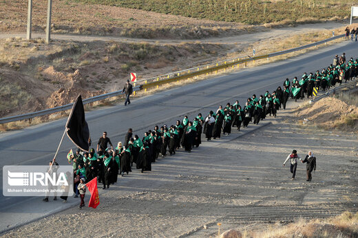بیش از ۴۶۰ هزار زائر پیاده خود را به مشهد رساندند