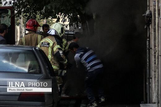 آتشسوزی انبار یک ساختمان سه طبقه در خیابان روانمهر تهران