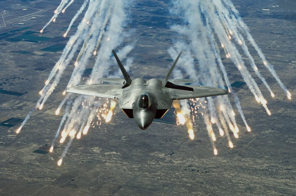 تصویری از خط تولید جنگندههای اف ۲۲ در آمریکا