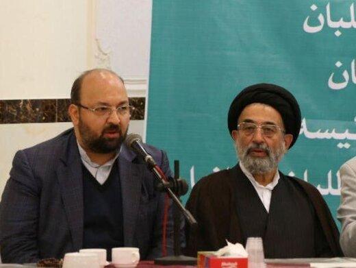موسویلاری: برخی اصولگرایان دکمه کت احمدینژاد را میبوسیدند /به دنبال کاندیدای اجارهای نخواهیم رفت/جواد امام: از جریان رقیب کاندیدا قرض نمیگیریم