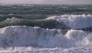 اخطاریه سازمان هواشناسی: به خزر نروید، ارتفاع موج به ۳ متر میرسد
