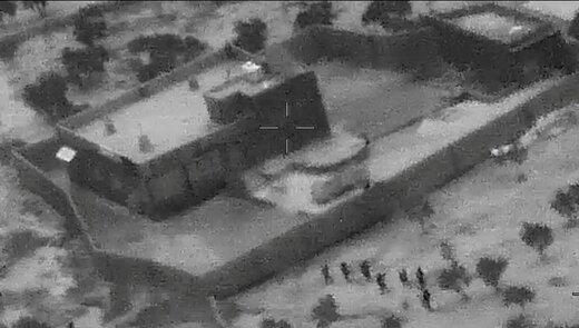 """تصاویر هوایی منتشر شده از حمله نیروهای ویژه ایالات متحده به مخفیگاه """"ابوبکر البغدادی"""" در منطقه ادلب سوریه"""