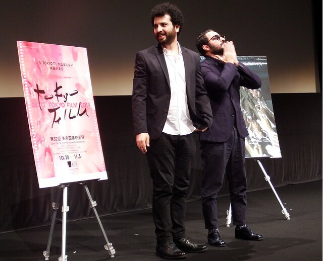 تصویری از نوید محمدزاده و سعید روستایی را در نمایش فیلم «متری شیش و نیم» در جشنواره فیلم توکیو ببینید.