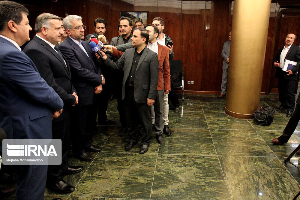 Energy Min: Iran, Syria to join electricity networks via Iraq