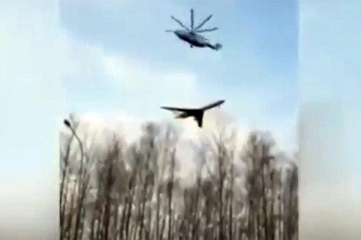 فیلم   بالگرد روسی در حال انتقال هواپیما!