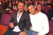 عکس | سام اصغری در کنسرت گلزار کنار کدام بازیکن پیشین استقلال نشست؟