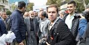 حسین شریعتمداری با پای شکسته در راهپیمایی 13 آبان: آمریکا مذاکره نمیخواهد/لیست اقدامات ضدایرانی آمریکا بعد از سرنگونی دولت مصدق