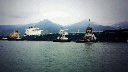خدمه نفتکش اسیر دزدان دریایی شدند