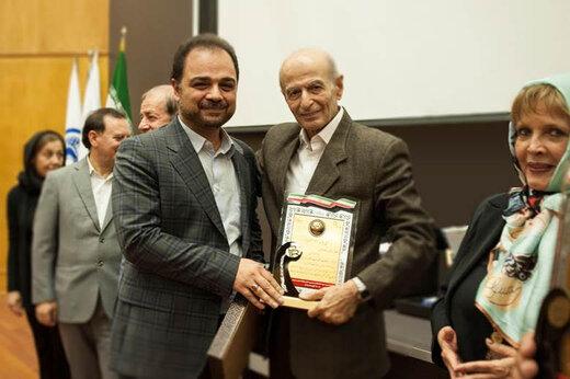 ایرانسل برترین روابط عمومی در «ارتباطات الکترونیک و فضای مجازی» شد
